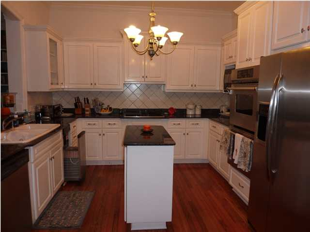 outstanding narrow kitchen island | More: What NOT to do in the kitchen! – In Detail Interiors
