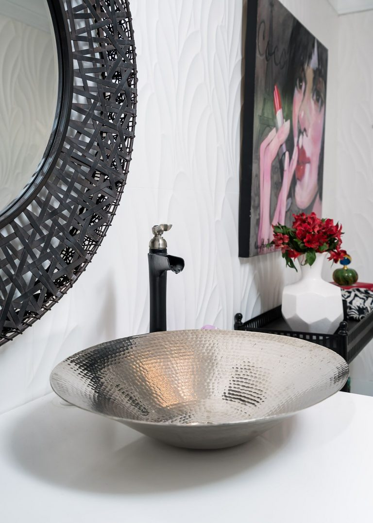 dramatic powder bath with black and white