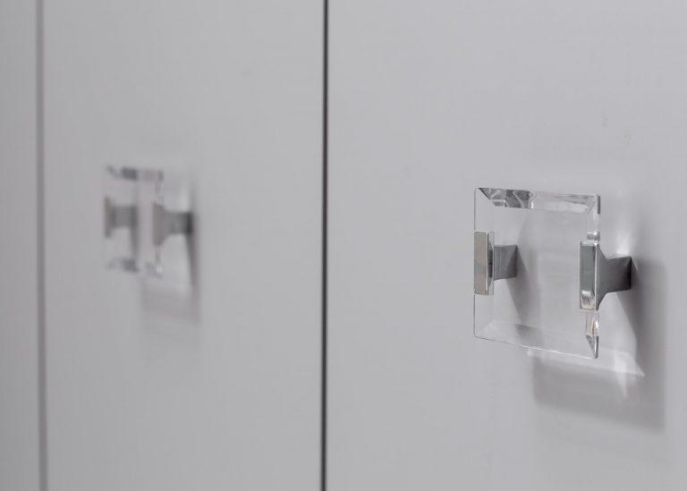 square handles in bath