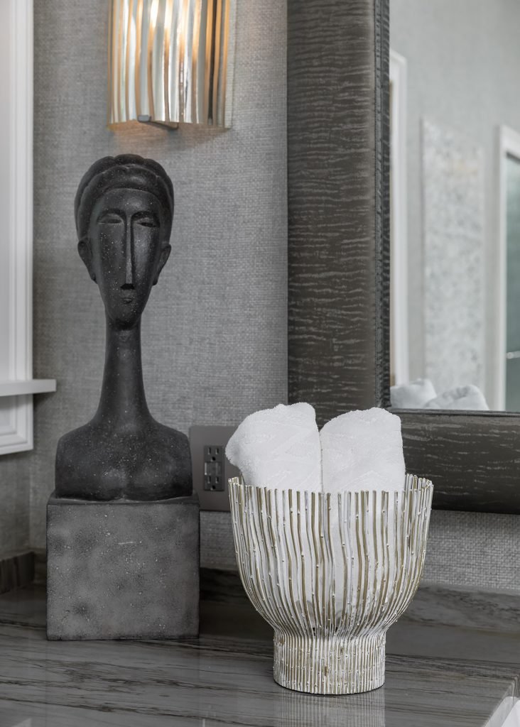 Home decor for a grey bathroom