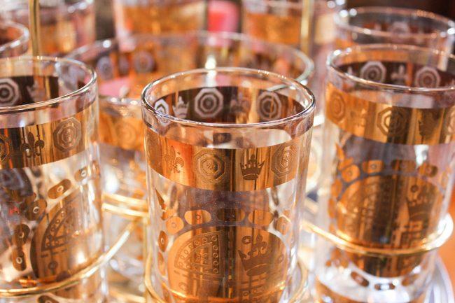 vintage gold glasses, set of glasses and ice bucket, vintage serving set, set with carrier, vintage gold glass set with carrier
