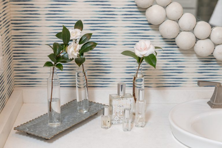Blue Bathroom with Wallpaper - Home Decor - Flowers - Mirror