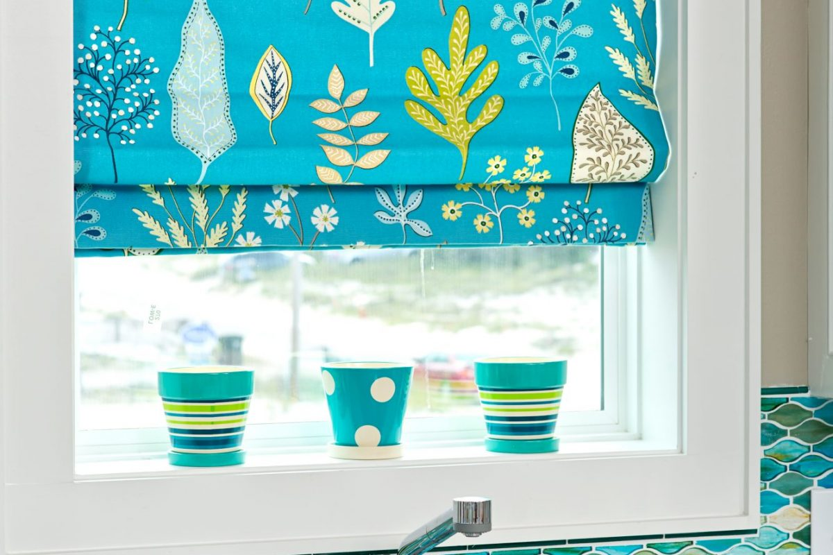 Coastal Kitchen with bold colors - blue and green